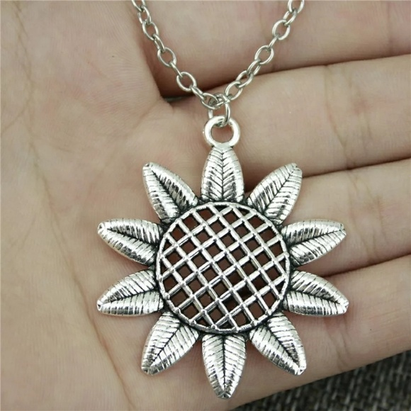 Jewelry - 3/$30 Silver Sunflower Floral Chain Necklace